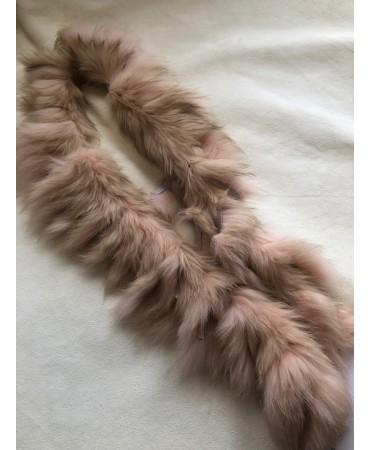 Boa-Schal aus Schweizer Rotfuchsfell modisch eingefärbt